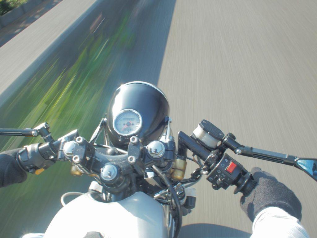 【バイク】セパハンのメリットとデメリットについて。GN125ベースで比較する