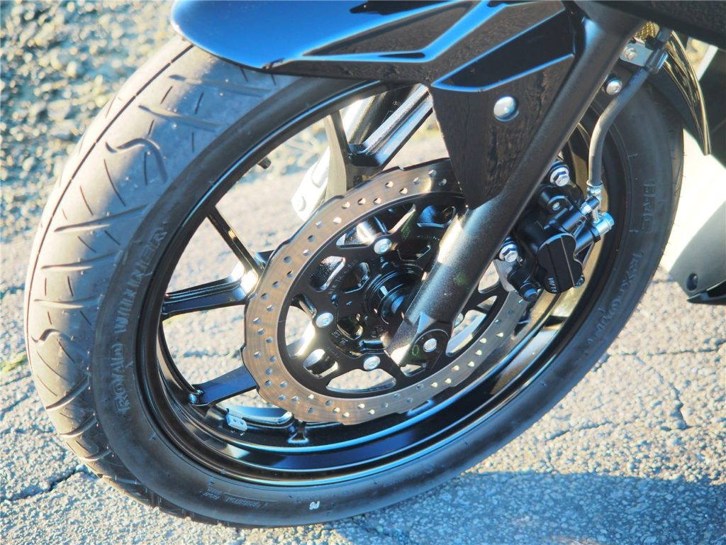 GSX250Rフロントブレーキ/タイヤ