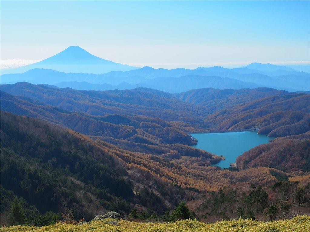 上日川ダムと富士山1