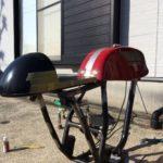 【250TR カフェレーサーカスタム2】フレームの細部に部品を溶接してもらう