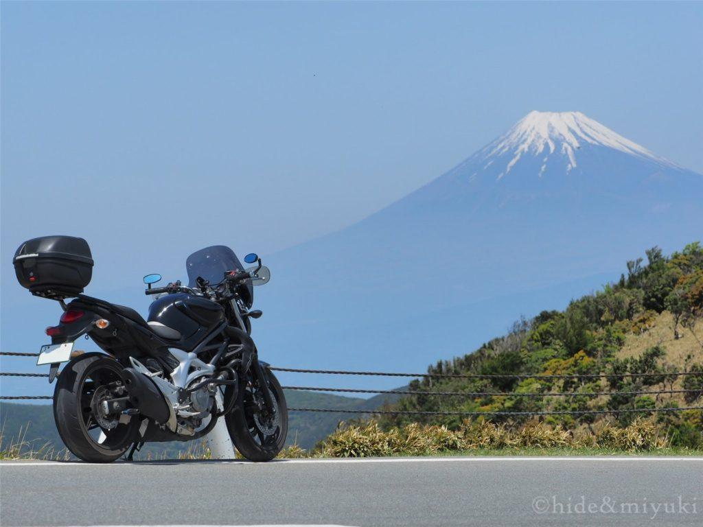 グラディウス400と富士山。西伊豆スカイラインにて。(F5.6 73mm)