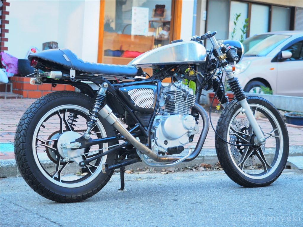 GN125-caferacer 横から