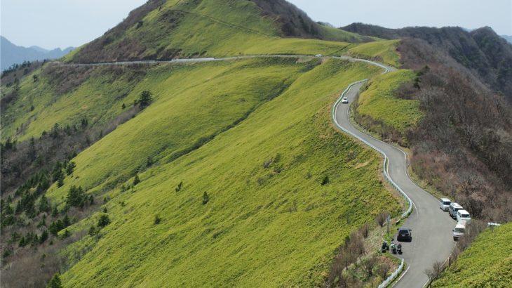 UFOライン 東黒森山に少し登る1