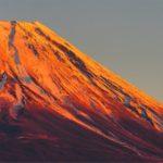 【山梨の絶景】本栖湖の西岸から見る富士山のある景色。特に夕暮れ時がオススメです。