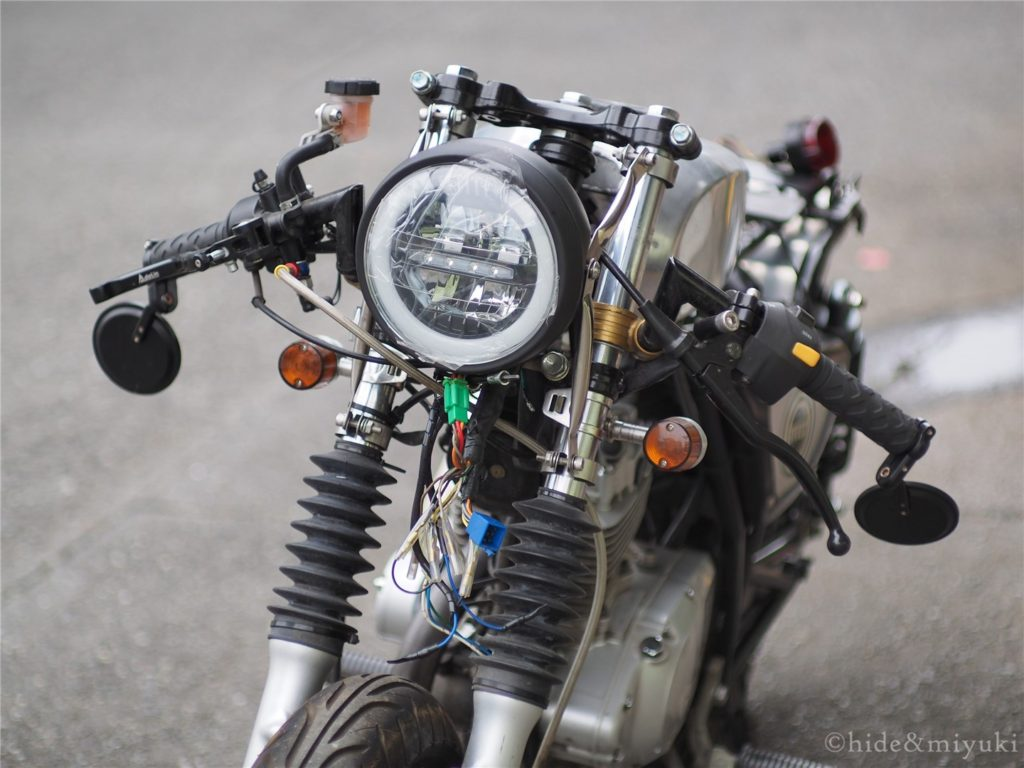 GN125カフェレーサーxストファイ風ヘッドライト2(仮着け)